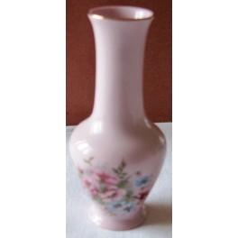 Vázička z růžového porcelánu